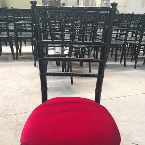 Uk style chiavari chair black